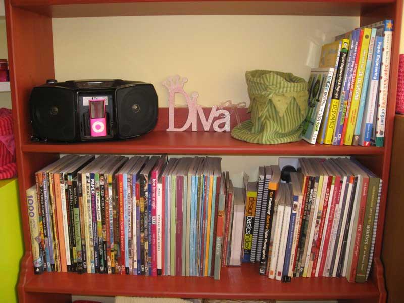 Bookshelf-middle