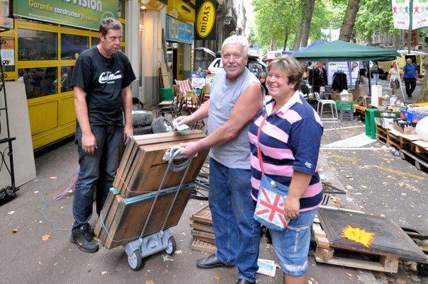 Buying trays